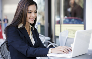 Business-Woman_on-laptop_2_quavondo_i