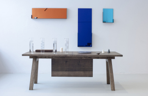 Piano-Hinge-Table-Lifestyle_StudioRygalik_Tre_01