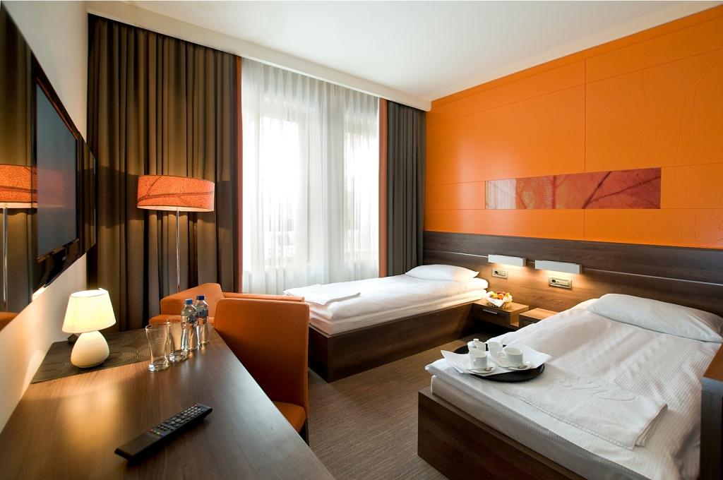 Pokój dwuosobowy z osobnymi łóżkami