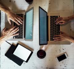 SerwerSMSpl SMSy i e-maile XXI wieku foto